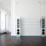 Piega Master Line Source 2 Wohnraum-tauglicher Flächenstrahler aus Schweizer Manufaktur